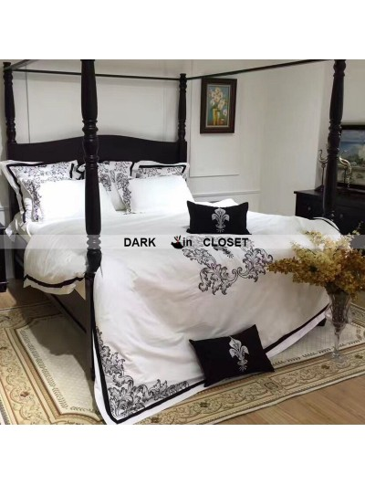 White and Black Gothic Vintage Palace Comforter Set 0014