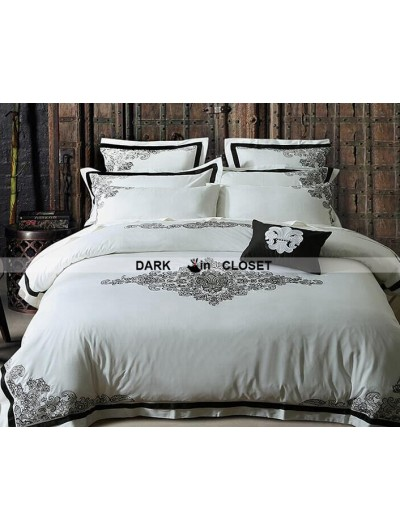 White and Black Gothic Vintage Palace Comforter Set 0017