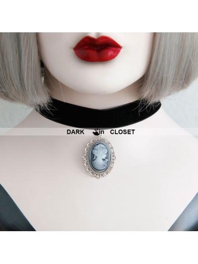 Vintage Velvet Gothic Vampire Pendant Necklace